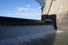 河水坝 库存图片