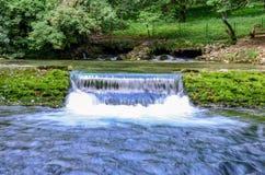河Bosna瀑布在萨拉热窝附近的 免版税库存图片