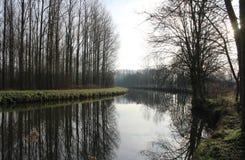 河Dender在冬天,富兰德,比利时 免版税库存照片