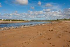 河Inagh的嘴Lahinch的爱尔兰的西方的 免版税库存图片