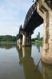 河Kwai的桥梁叫作死亡铁路 免版税库存照片