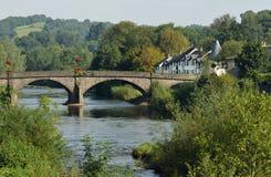 河Usk和桥梁 库存照片