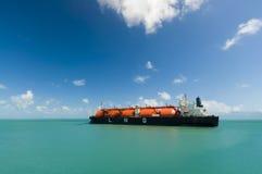 油和煤气产业液化天然气罐车液化天然气 免版税库存照片