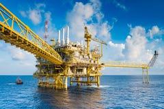 油和煤气生产平台、油和煤气生产和探险事务在暹罗湾 库存图片