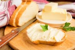 黄油和面包 库存照片