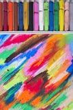 油在五颜六色的背景的柔和的淡色彩蜡笔 免版税库存图片
