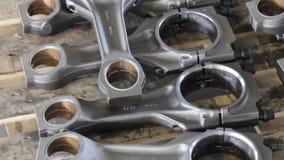 柴油引擎的连接杆 一部分的在存贮的引擎 引擎的活塞标尺 股票视频