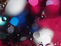 油抽象摄影下落在水的 库存图片