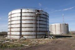 油料储存坦克 免版税图库摄影