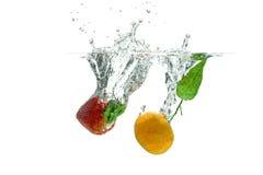 油桃和草莓 免版税图库摄影