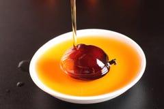 油棕榈树果子和烹调用油 库存图片