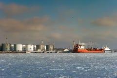 油槽在Chornomorsk 图库摄影