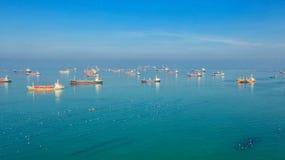 油槽,气体罐车在公海 精炼厂产业货船,鸟瞰图,泰国,进出口的,LPG,炼油厂, 免版税库存图片