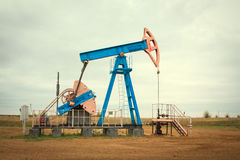 油泵。石油工业设备。 图库摄影