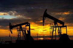 油泵。石油工业设备 免版税库存照片