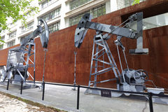 油泵起重器在redtory创造性的庭院,广州,瓷里 库存照片