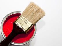 油漆刷红色 免版税库存图片