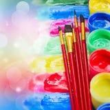 油漆和画笔 库存照片