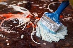 油漆测试表面上的在修理工作前 库存照片