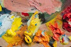油漆混合程序特写镜头在艺术工作场所 库存图片