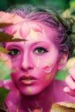 油漆的妇女 有吸引力和性感的女孩人体艺术 免版税库存照片