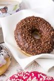 油炸圈饼用巧克力 免版税库存图片
