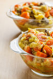 油炸物用肉、圆白菜和红萝卜 免版税库存照片