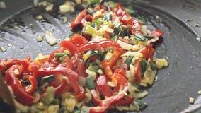 油煎在平底锅的菜 影视素材