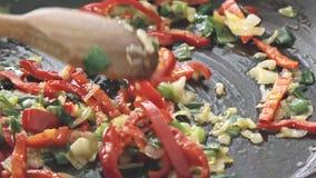 油煎在平底锅的菜 股票录像