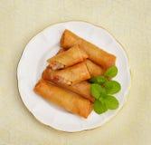 油煎的中国食物滚传统的春天 免版税库存照片