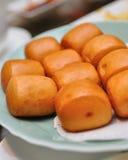 油煎的小圆面包酥脆 库存图片