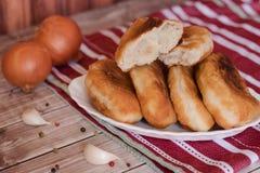油煎的小馅饼用土豆 免版税库存图片