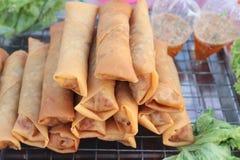 油煎的春卷传统为开胃菜食物 免版税库存图片