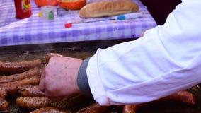 油煎的汉堡和香肠 影视素材