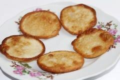 油煎的白薯蛋糕 免版税库存照片