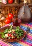 油煎的茄子劳斯与乳酪、大蒜、香菜和石榴种子的 库存图片