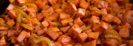 油煎的葱香肠 免版税库存照片
