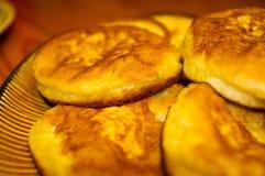 油煎的薄煎饼 库存照片