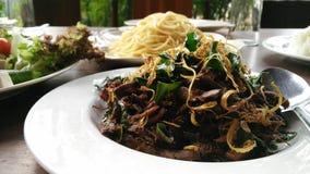 油煎的蘑菇用草本 免版税库存图片