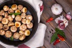 油煎的蘑菇 免版税库存图片
