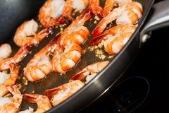 油煎的虾烹调 库存图片