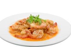 油煎的虾用在白色盘的大蒜 图库摄影