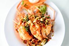 油煎的虾用大蒜和胡椒 库存图片