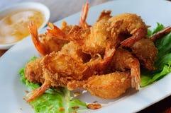 油煎的虾肉丸用甜调味汁 库存图片