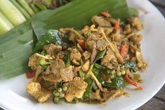 油煎的辣公猪泰国食物,与公猪的混乱炒饭 图库摄影
