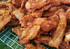 油煎的酥脆猪肉 库存照片