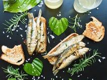 油煎的酥脆鲥鱼 免版税图库摄影