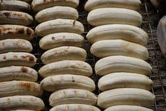 油煎的香蕉在浮动市场, Damnoen Saduak,泰国上 库存照片