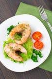 油煎的鱼和菜 库存图片