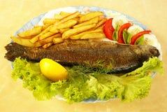 油煎的鳟鱼 免版税库存照片